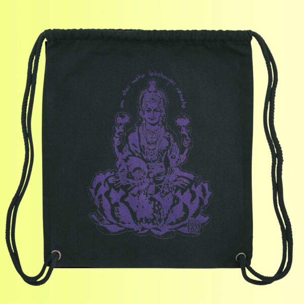 yoga gym bag in schwarz mit aufdruck der götting lakshmi